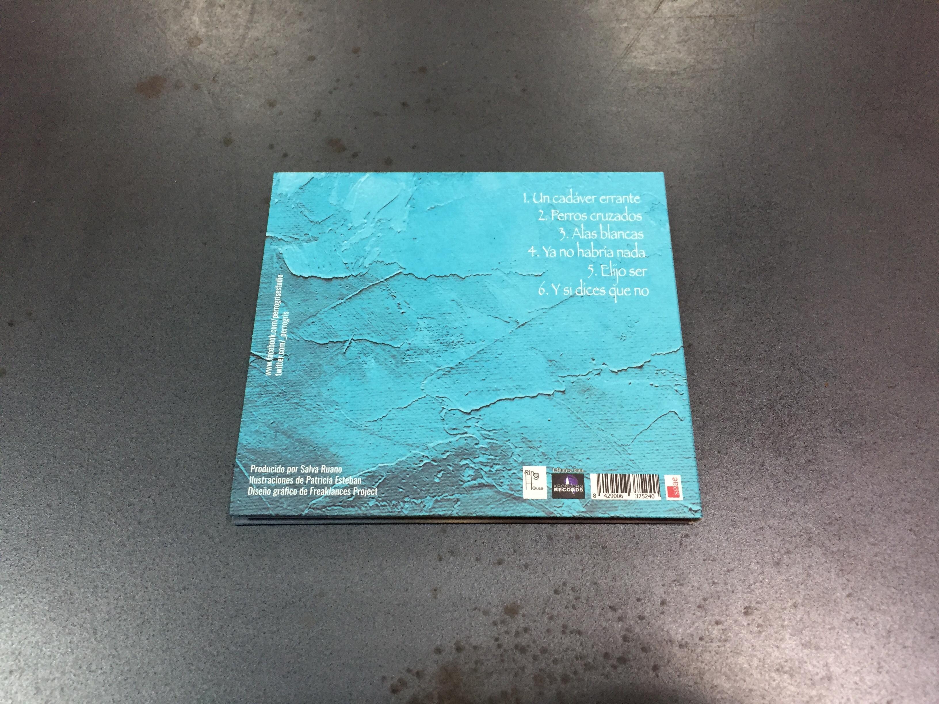 """Resultado del diseño gráfico que hemos realizado para el quinto y nuevo disco """"Alas Blancas"""" de Rafael de la Rubia con su grupo PERRO GRIS."""