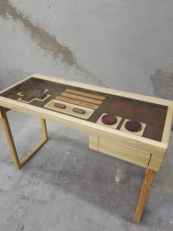 Mesa Nintendo en modelo escritorio
