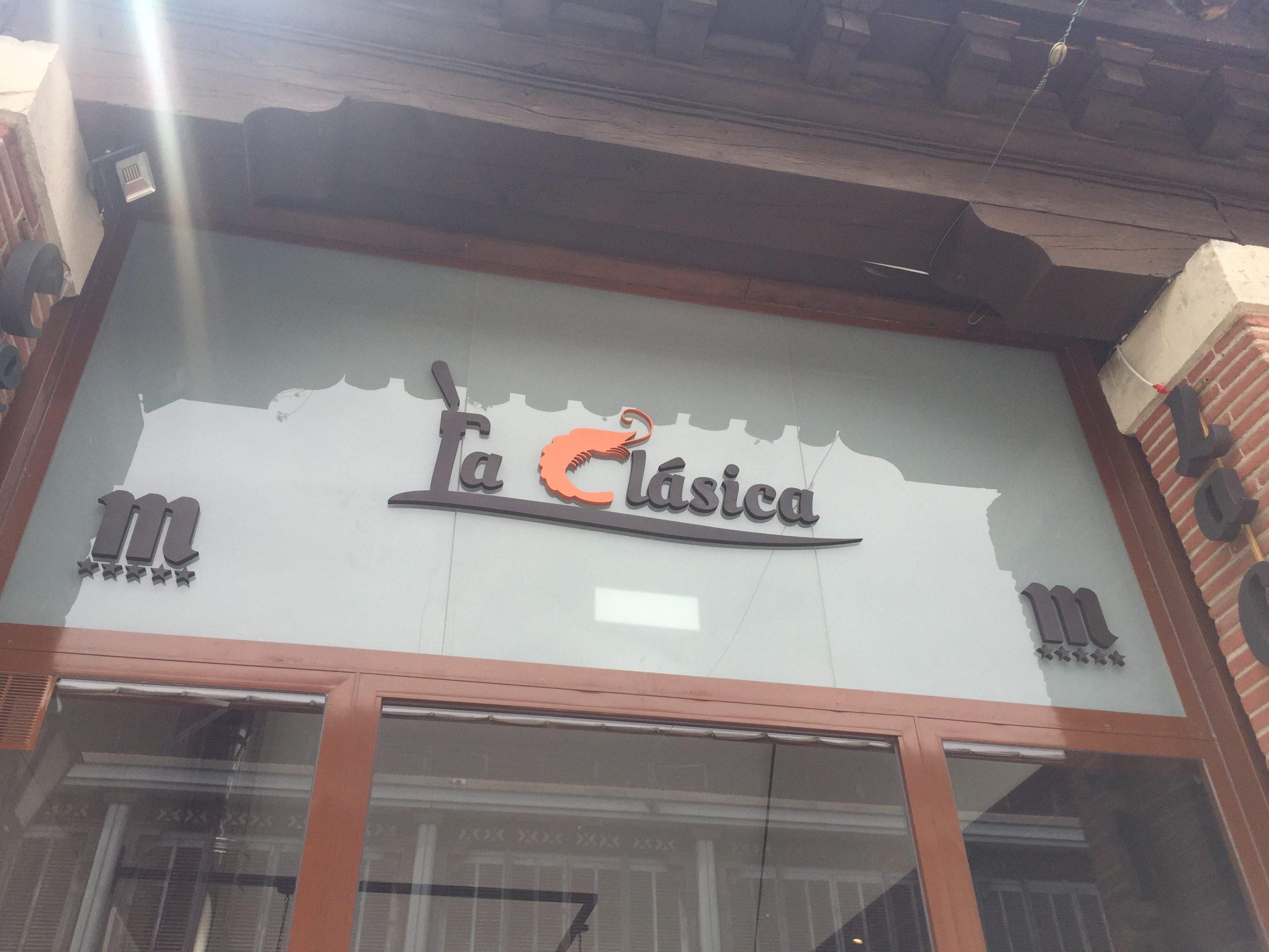 Fachada La Clásica